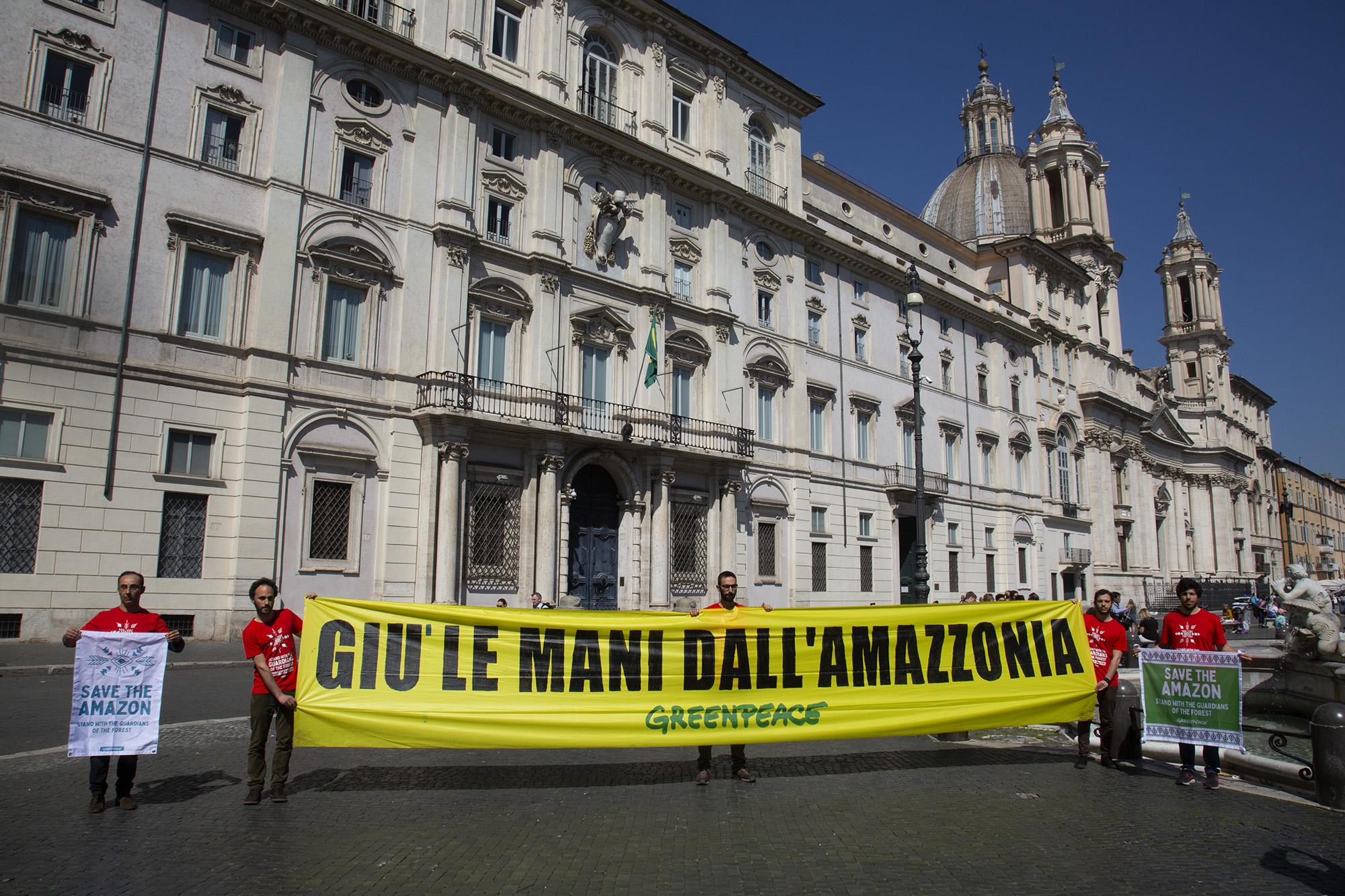 All Eyes on the Amazon – Solidarity Protest in Rome Attività di solidarietà verso i Popoli Indigeni dell'Amazzonia